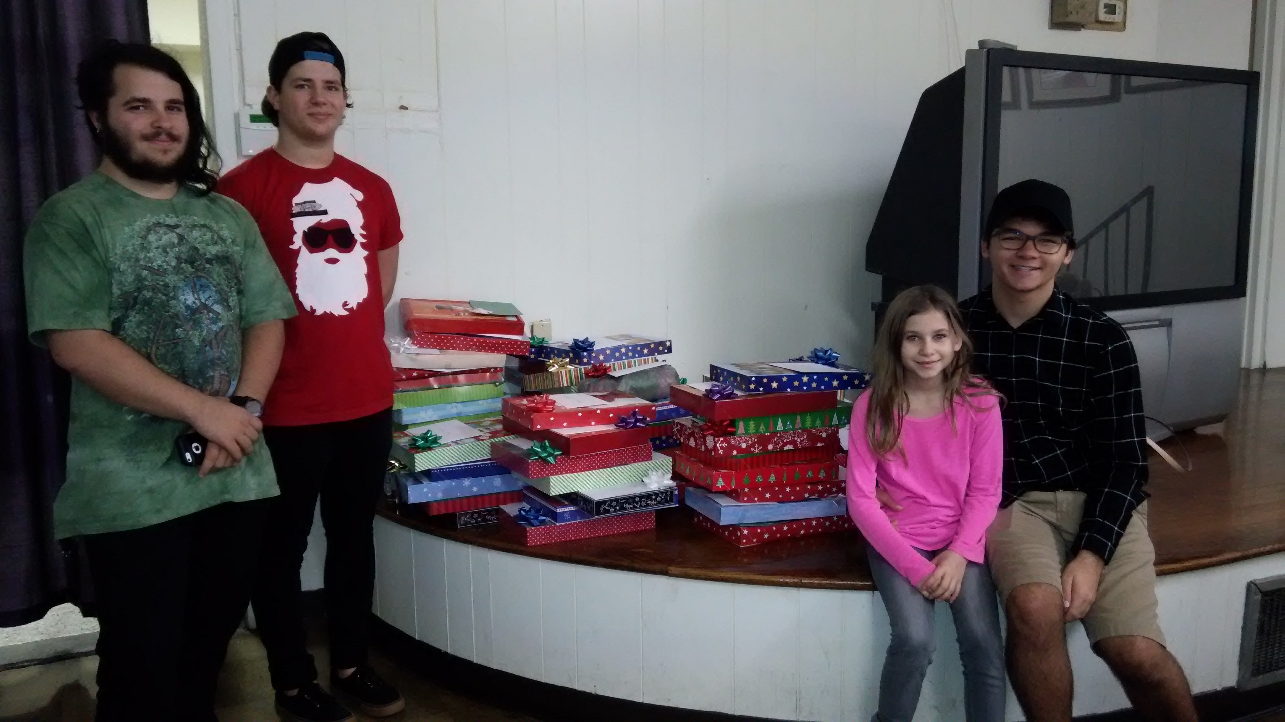 Youth Group Xmas Wrapping